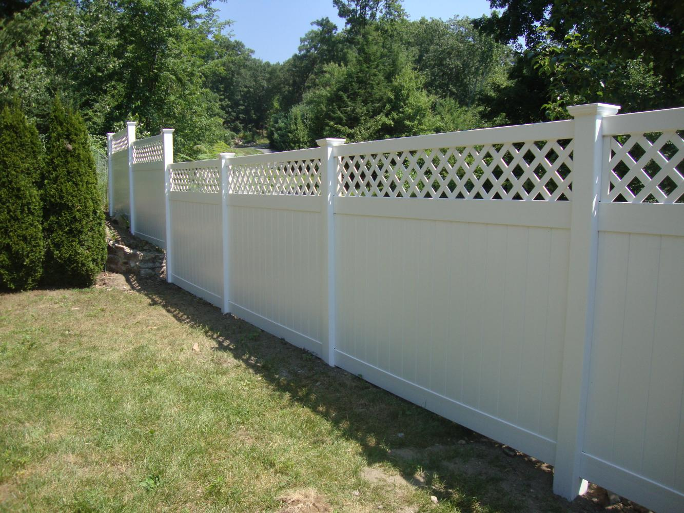 White Scalloped Top Wire Fence - WIRE Center •