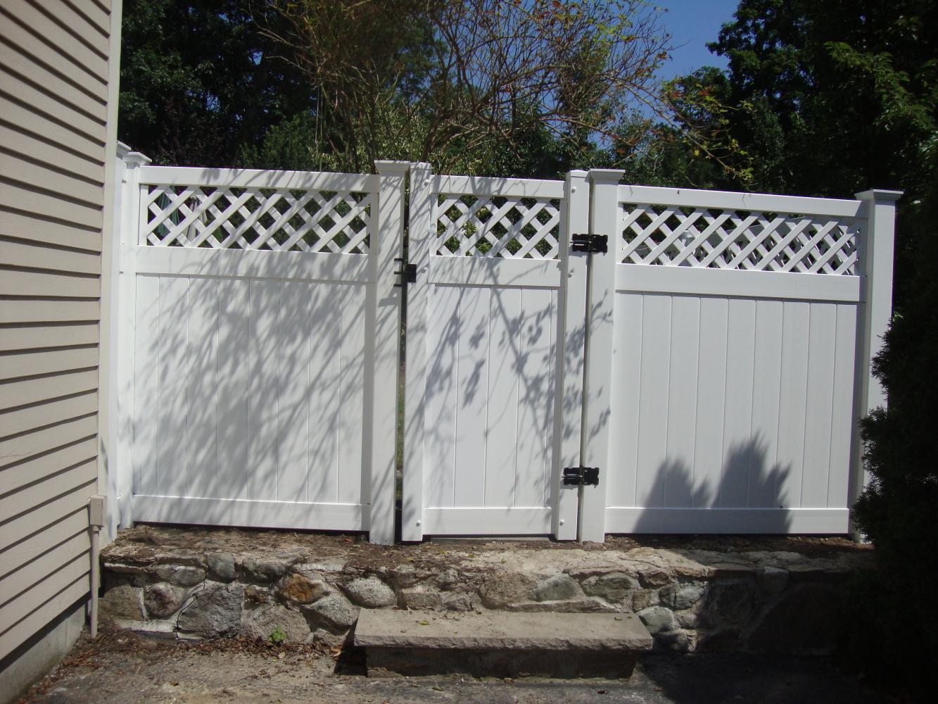 6u2032 high white vinyl diamond lattice top style fence with gate