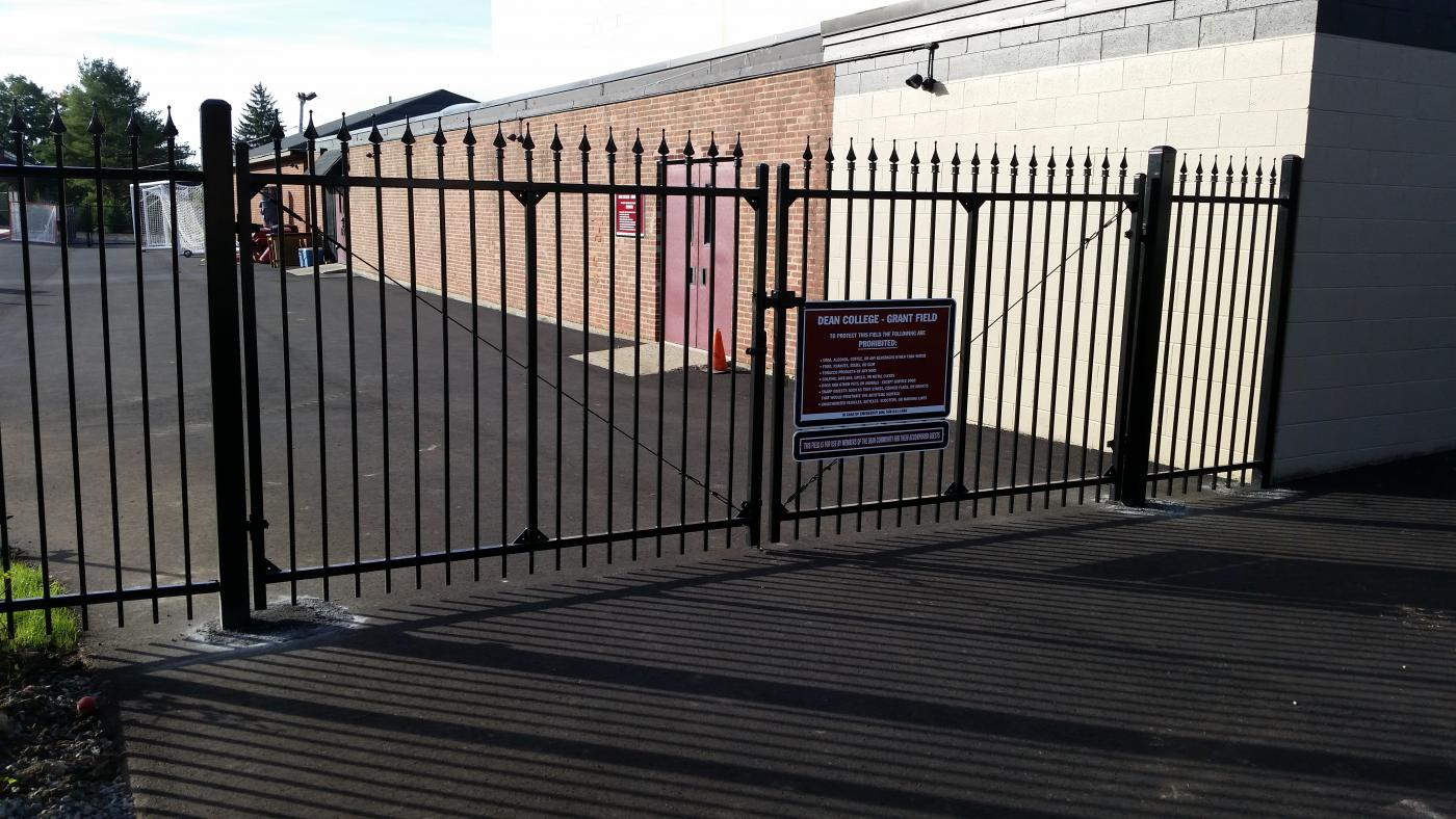 Security Fences Amp Electric Gates Reliable Fence